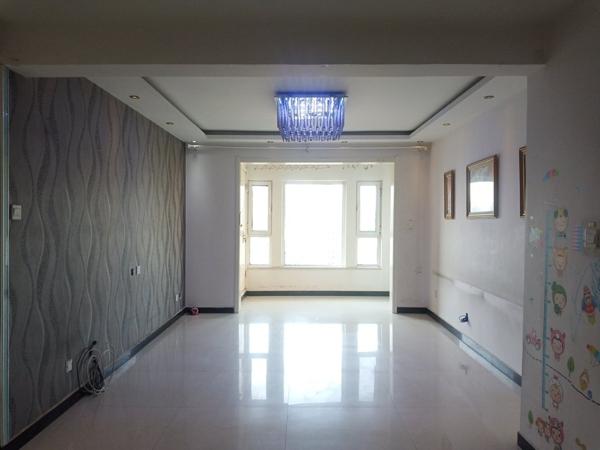 阿爾卡迪亞碧水灣,精裝兩居,帶地下室,看房方便