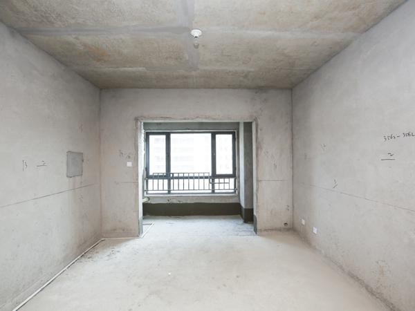 宝龙广场,宝龙世家标准3室户型方正,采光好,钥匙在手