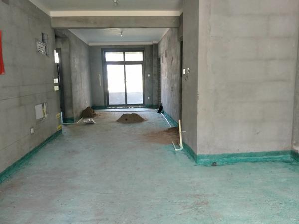中建柒号院160平洋房,一楼地复式带院儿4室大宅200万
