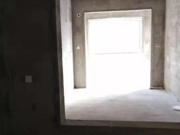 电梯房77平50万2室2厅南北通透元泰中华园楼层