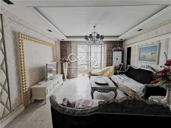 鑫泰苑东区,豪华大4室,有证可贷,钥匙在手看房方便,房源有限