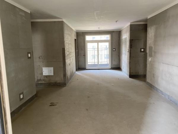 出售建业城一期,电梯洋房,一梯两户,东户,毛坯,三居室