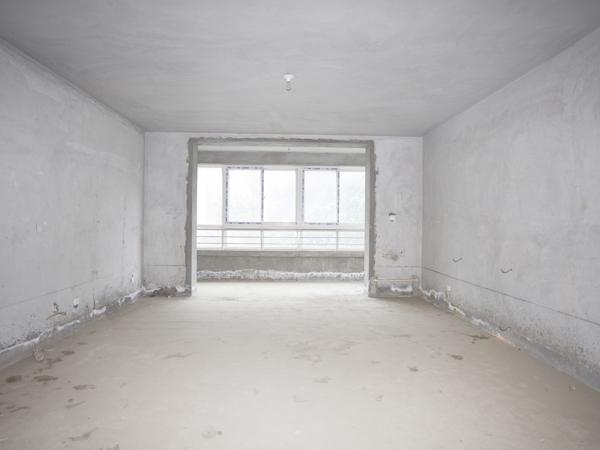 师大嘉苑6室3厅3卫243.0平米165.00万元