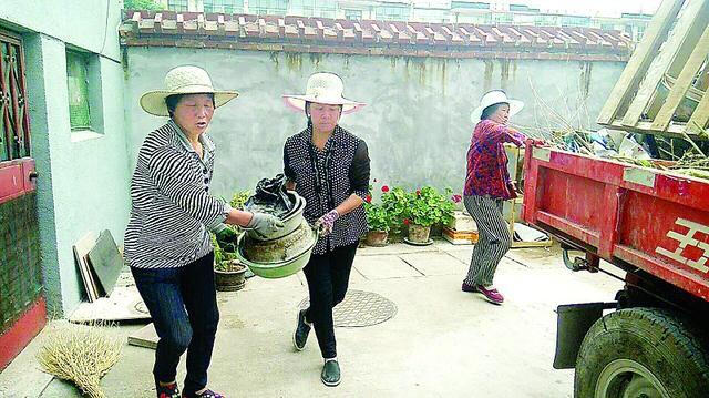 凤城街道东方红社区攻坚克难整治环境