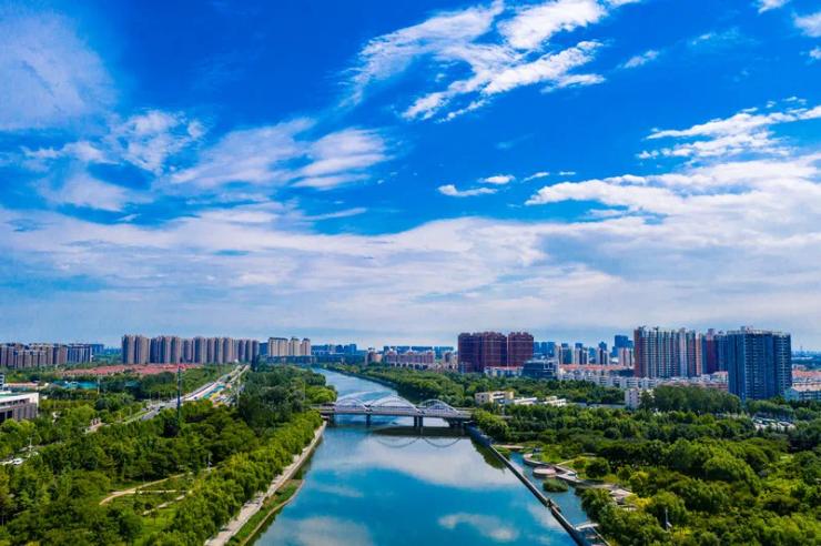 1-8月份,郑州市新签约亿元以上工业项目105个