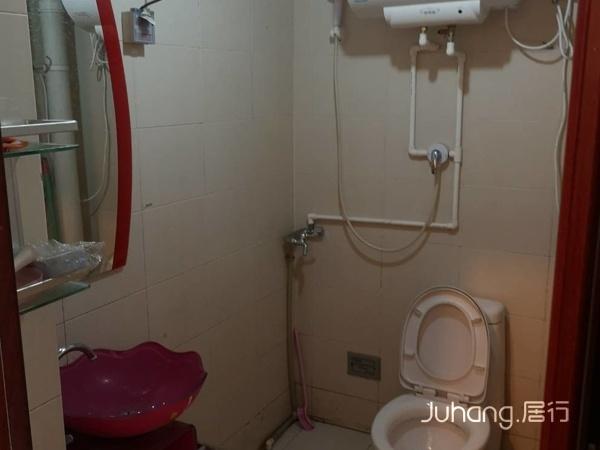 文盛里正规一室一厅一卫,家具家电齐全,拎包入住。万达商圈。