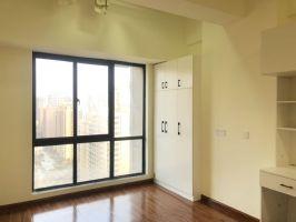伟业精装公寓,一天没住,有钥匙,随时看房