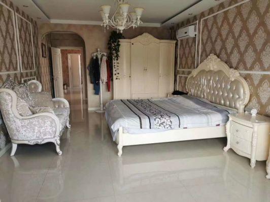 香蘭雅居,豪華裝修,三室兩廳兩衛,南北通透,老證,能貸款,