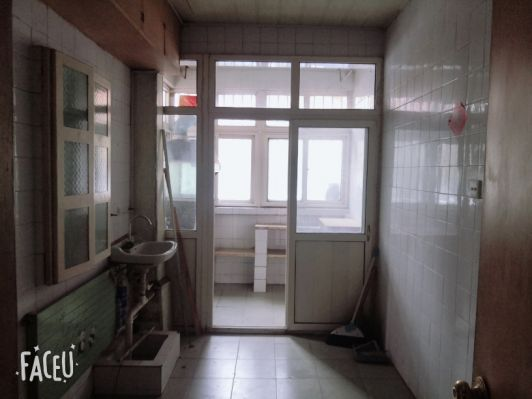 移動公司家屬院,簡裝,兩室兩廳一衛,兩個臥室都朝南