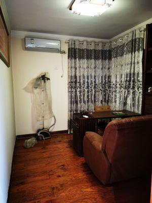 出租萬浩楓景3室兩廳一衛月租金2500元/月